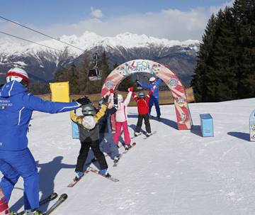 Group ski course full time.
